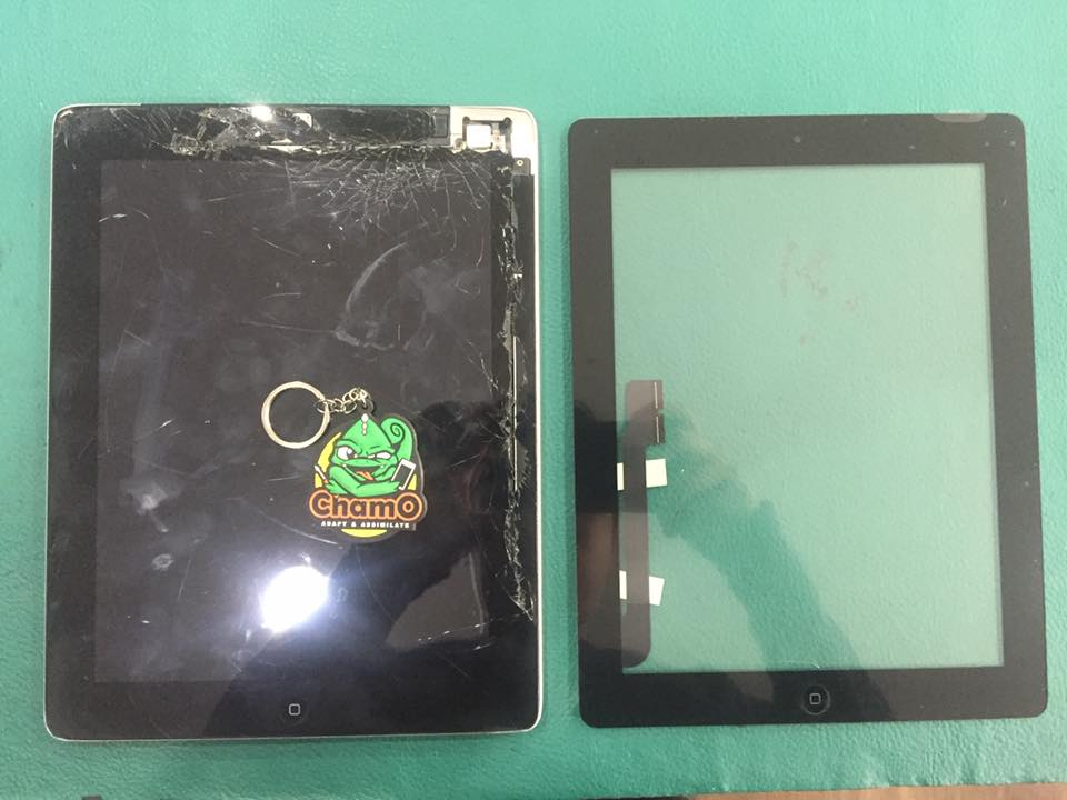 Repair LCD iPad 4 Pecah Berderai