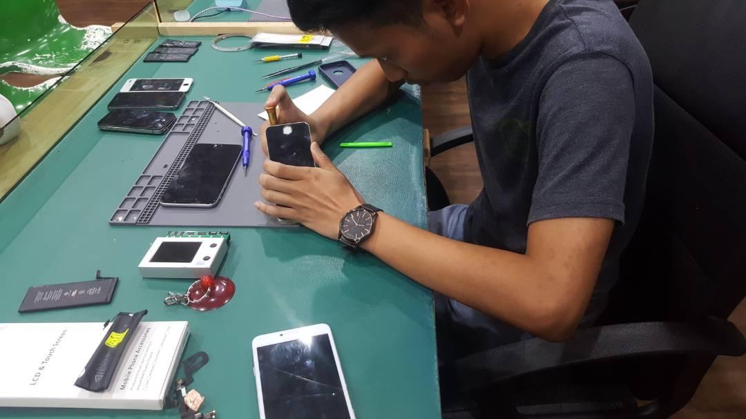 Tukar Bateri iPhone 5s Bangi Kajang