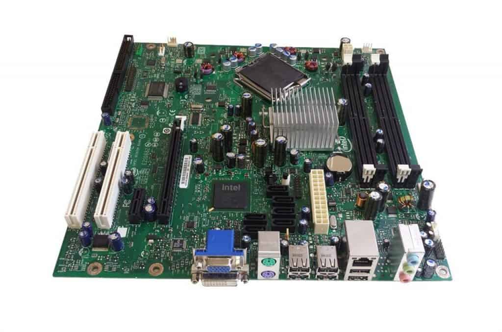 This image has an empty alt attribute; its file name is mobo-btx-1024x678.jpg