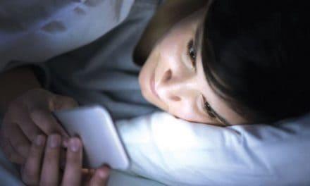 Kesan Sampingan Penggunaan Telefon Pintar Terhadap Mata